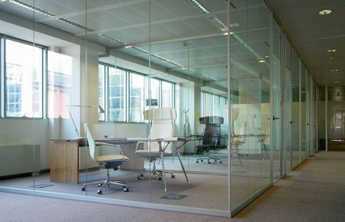 Simple pareti in vetro ufficio arredo ufficio pareti for Dau srl design arredo ufficio